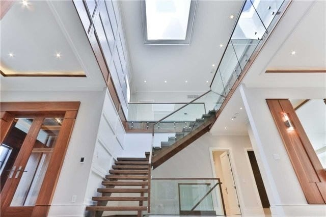 55 arjay bridle path staircase